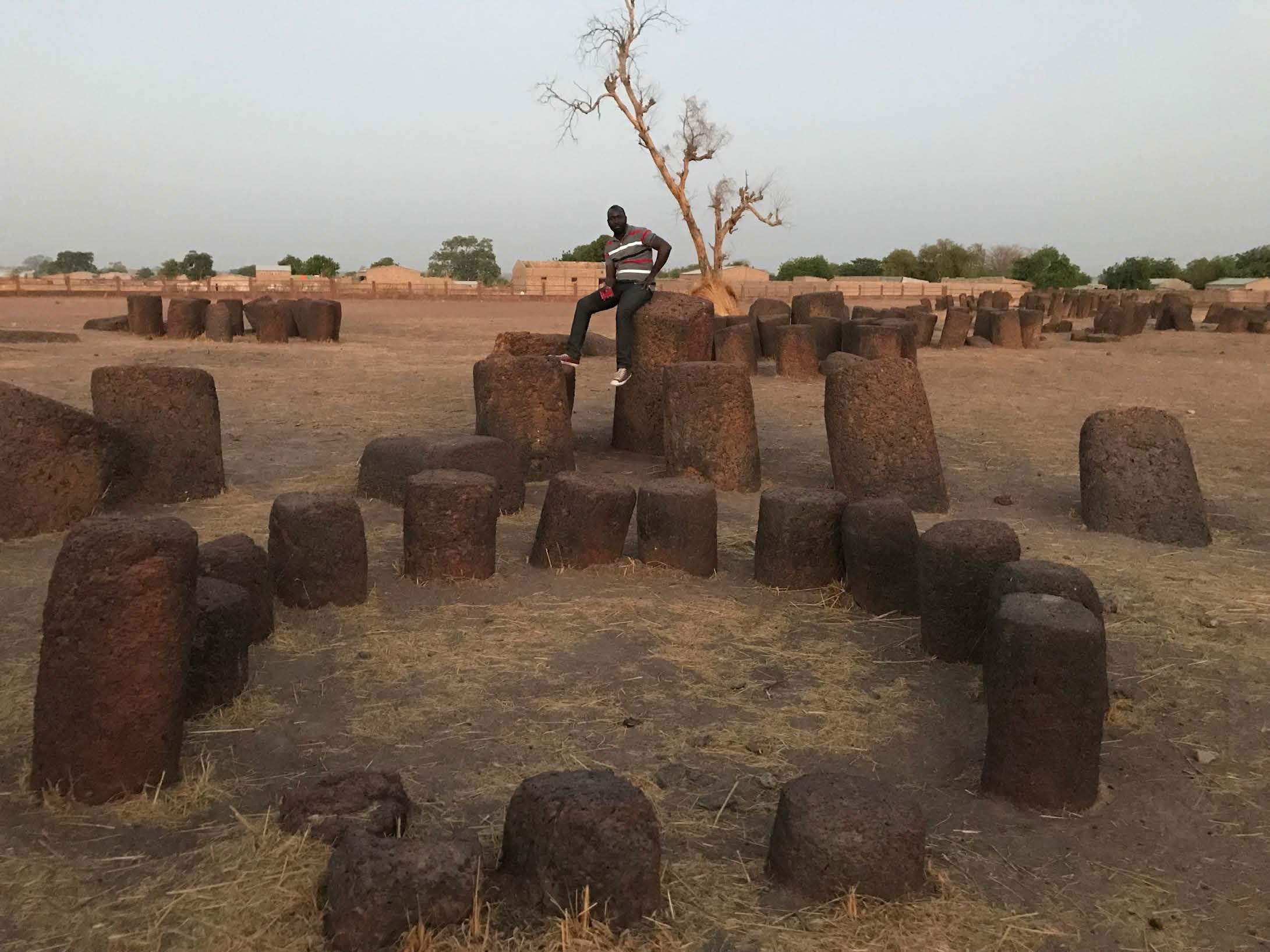 Stencirkler i Sine Ngayene, Senegal. Foto: Tabita Rezaire