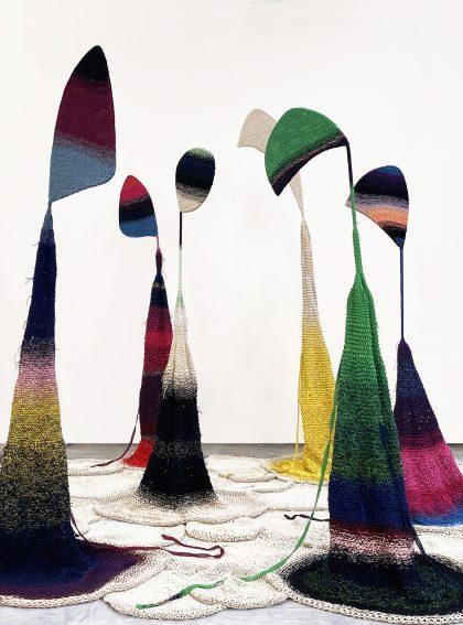 Isabel Berglund: Silhuetter af Kvinden i vinden