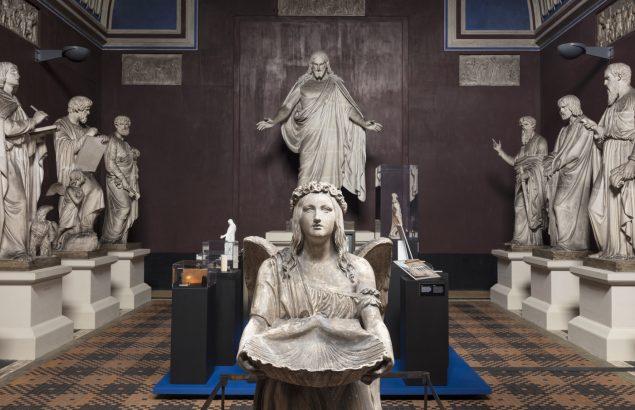 Udstillingsview fra Mellem kunst og ritual. Foto Thorvaldsens Museum